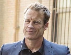 La saison 15 des Experts accueille Mark Valley